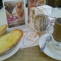 0b2bbda7bd0 ... Foto tirada no(a) Fran amp  39 s Café por Fernanda N ...