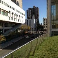 Das Foto wurde bei Alice Tully Hall at Lincoln Center von Richard am 11/17/2012 aufgenommen