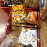 Photo prise au Trader Joe's par Jen le3/15/2013
