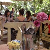 รูปภาพถ่ายที่ La Cafetería โดย Paulina C. เมื่อ 2/24/2013