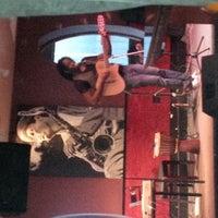 Photo prise au Alleycatz Live Jazz Bar par Chris R. le6/28/2013