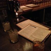 Foto tomada en Moxy American Tapas Restaurant por Hanlon M. el 5/6/2013