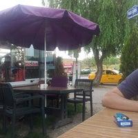 Das Foto wurde bei Cafe Villa Bistro von Emre S. am 5/19/2013 aufgenommen