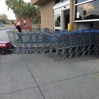 Photo prise au Walmart Supercenter par Brian S. le1/27/2013