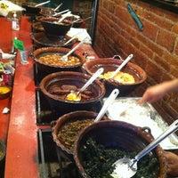 Снимок сделан в Tacos Gus пользователем Paulina G. 9/28/2013