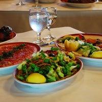 Снимок сделан в Taci's Beyti Restaurant пользователем Taci's Beyti Restaurant 3/14/2014
