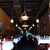 3/14/2014 tarihinde Taci's Beyti Restaurantziyaretçi tarafından Taci's Beyti Restaurant'de çekilen fotoğraf