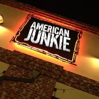 Das Foto wurde bei American Junkie von Tone Loc C. am 5/21/2013 aufgenommen