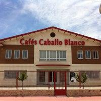 Foto tomada en Cafés Caballo Blanco por Cafés Caballo Blanco el 9/15/2015