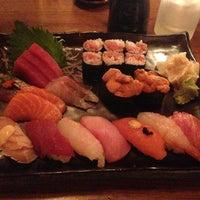 Photo prise au Blue Ribbon Sushi Bar & Grill par Alice le8/28/2013