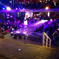 Foto tomada en Patio Bellavista por Simon B. el 12/21/2012