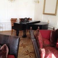 Foto diambil di Rossi Boutique Hotel St. Petersburg oleh Alexander D. pada 4/25/2013