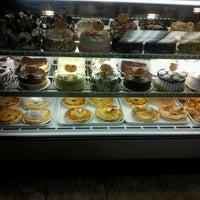 Das Foto wurde bei Four Seasons Diner & Bakery von Courtney A. am 1/30/2013 aufgenommen