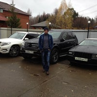 Foto tirada no(a) CAR TUNING por Батият М. em 10/19/2013