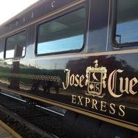 Das Foto wurde bei Jose Cuervo Express von Doris C. am 4/6/2013 aufgenommen