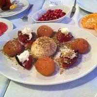 11/23/2012 tarihinde Nağmeziyaretçi tarafından Mavra Restaurant'de çekilen fotoğraf