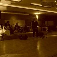 รูปภาพถ่ายที่ CK Farabi Hotel โดย Selcuk O. เมื่อ 2/14/2013