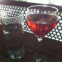 Foto tirada no(a) Poco Wine + Spirits por Dustin W. em 4/23/2013