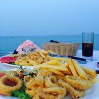 รูปภาพถ่ายที่ Ψαροταβερνα Κουκλις / Kouklis Restaurant โดย Lea เมื่อ 6/25/2014
