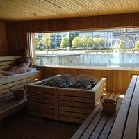 Снимок сделан в Bota Bota, spa-sur-l'eau пользователем Artem B. 9/20/2012
