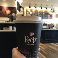 Das Foto wurde bei Peet's Coffee & Tea von engjira am 10/23/2017 aufgenommen