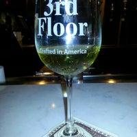 รูปภาพถ่ายที่ 3rd Floor โดย Marie N. เมื่อ 7/19/2013