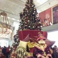 Das Foto wurde bei Kaufhaus des Westens (KaDeWe) von Elena M. am 12/17/2012 aufgenommen