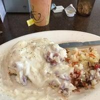 Das Foto wurde bei Spring Garden Restaurant von Dwayne P. am 5/11/2018 aufgenommen