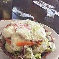 Das Foto wurde bei Spring Garden Restaurant von Dwayne P. am 10/20/2016 aufgenommen
