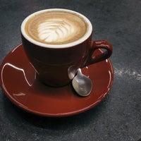Das Foto wurde bei Filter Coffeehouse & Espresso Bar von Louise am 1/30/2013 aufgenommen