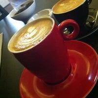 Foto scattata a Coftale Specialty Coffee House da Vali O. il 3/9/2013