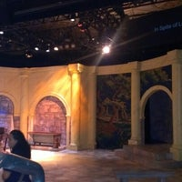 10/5/2012 tarihinde Christina M.ziyaretçi tarafından GALA Hispanic Theater'de çekilen fotoğraf
