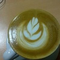 Das Foto wurde bei Coffeemania von Aslı T. am 1/11/2013 aufgenommen