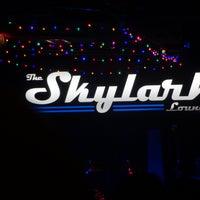 Foto diambil di Skylark Lounge oleh Rolando S. pada 7/8/2018