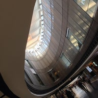 รูปภาพถ่ายที่ George Bush Intercontinental Airport (IAH) โดย Toby C. เมื่อ 6/3/2013