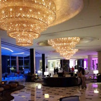 Photo prise au Fontainebleau Miami Beach par Thato S. le6/7/2013