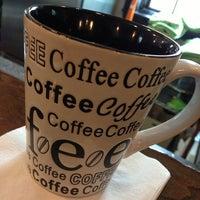 Das Foto wurde bei Vintage Coffee von Angela A. am 8/9/2013 aufgenommen