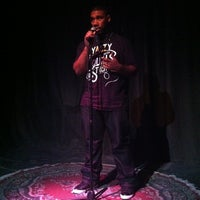 Foto scattata a Nuyorican Poets Cafe da The Inspired Word NYC il 10/3/2012