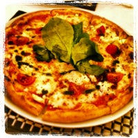 Foto scattata a Pizzaara İtalyan Cafe & Restaurant da Selma A. il 1/30/2013