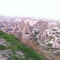 4/2/2013 tarihinde Merve B.ziyaretçi tarafından Uçhisar Kalesi'de çekilen fotoğraf