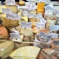 Foto scattata a Pastoral Artisan Cheese, Bread & Wine da hooeyspewer .. il 12/23/2014