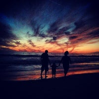 Foto tomada en Boardwalk - Santa Monica Beach por Stephanie A. el 10/7/2012