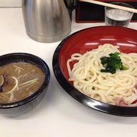 Foto tomada en つけ鴨うどん 鴨錦 千代田店 por Hiroshi T. el 7/30/2013