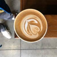 Снимок сделан в Blue Bottle Coffee Kiosk пользователем Walter K. 10/11/2018