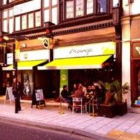 9/27/2012 tarihinde Salih M.ziyaretçi tarafından Mango Thai Tapas Bar'de çekilen fotoğraf