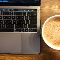 Foto scattata a Peet's Coffee & Tea da Lotusstone il 5/15/2018