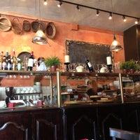 Foto diambil di Panizza Bistro oleh Igor E. pada 10/4/2012