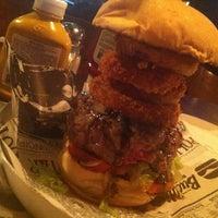 Foto tirada no(a) Buddies Burger & Beer por Top Burguers🍔 em 7/27/2013