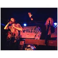 Photo prise au Mercury Lounge par Chelsea le4/6/2013