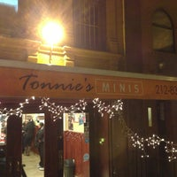 Foto tirada no(a) Tonnie's Minis por CalQulated em 1/19/2013